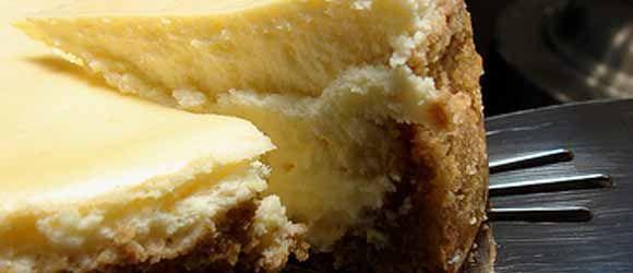 Goat Cheese & Lemon Cheesecake | All Things Chevre | Pinterest