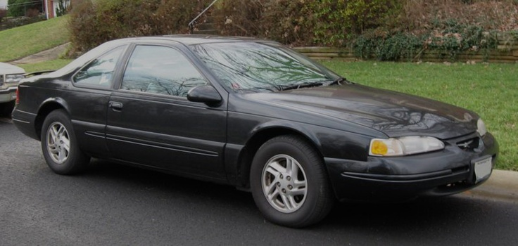 Expanding the 1992 Ford Thunderbird card was a revived Sport model