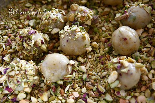 Pistachio Brigadeiro | Brigadeiros by Miss Apple | Pinterest