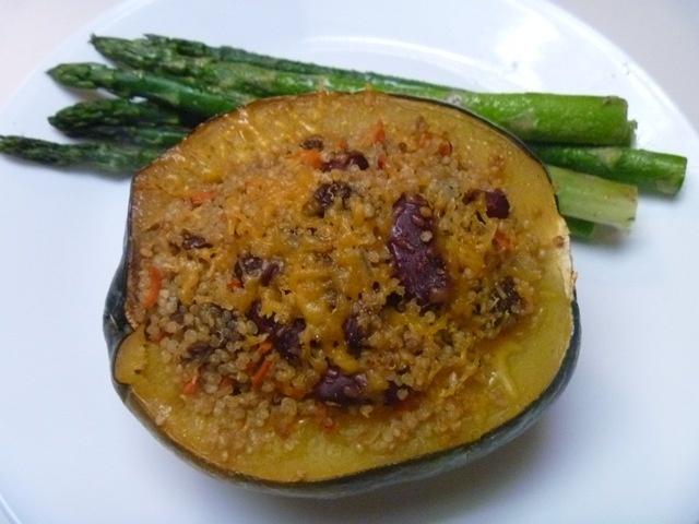Quinoa stuffed acorn squash | Recipes - Vegetarian meals | Pinterest