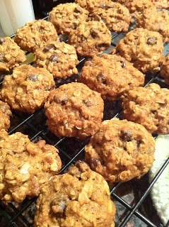 Pumpkin oatmeal chocolate chip cookies: I replaced the flour with 1/4 ...