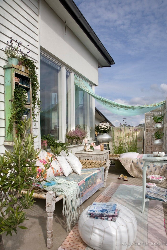 Shabby chic garden designs outdoor rooms pinterest for Pinterest outdoor garden rooms