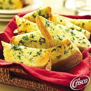 Simple Garlic Bread from Crisco®