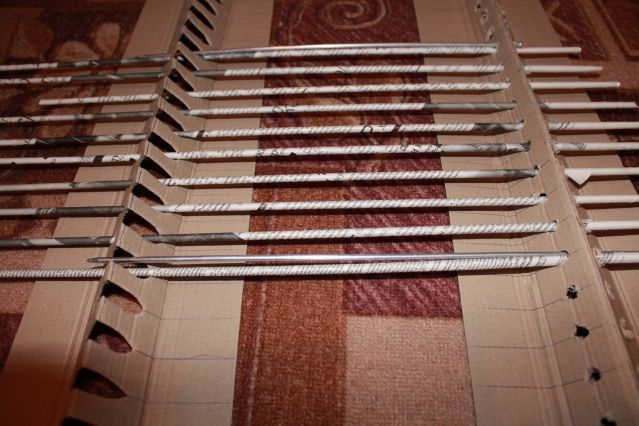 Как сделать станок для плетения из газетных трубочек 128
