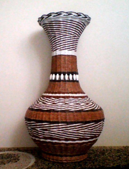Плетение из газеты вазы видео