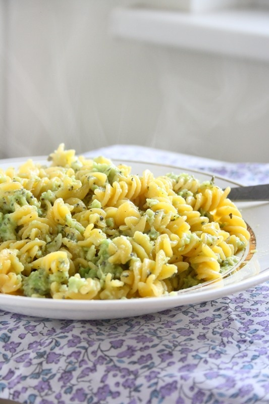 Creamy Avocado Pasta *to make this paleo use spaghetti squash instead ...