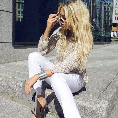 white pants + cream top <3 Facebook: Anna Maria Island Beach Life www.annamariaislandhomerental.com