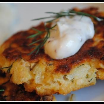 Potato Salmon Patties! I love salmon cakes like my Papaw would make