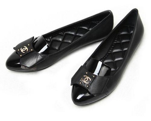 Perfect Chanel black flats