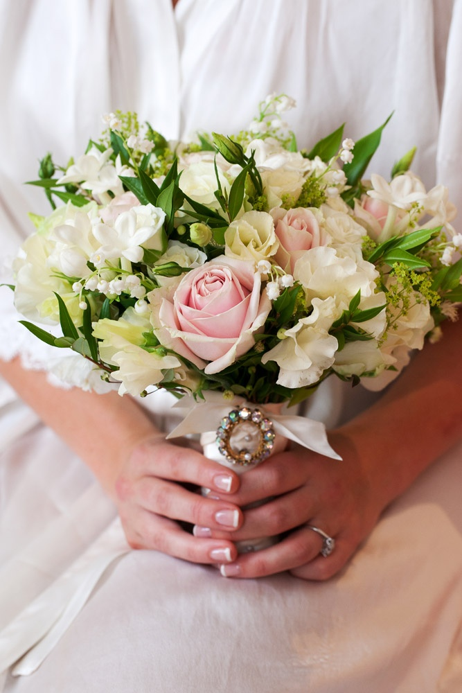 Would love if the pink was replaced with yellow roses for myself and my maid of honor...but perfect!!!!! Bridal Flowers |Fabulous Flowers