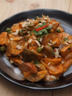 Tofu Panang Curry | Foods that may excite my tastebuds :D | Pinterest