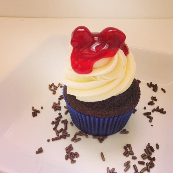 Chocolate cherry cupcake   H cupcakes   Pinterest