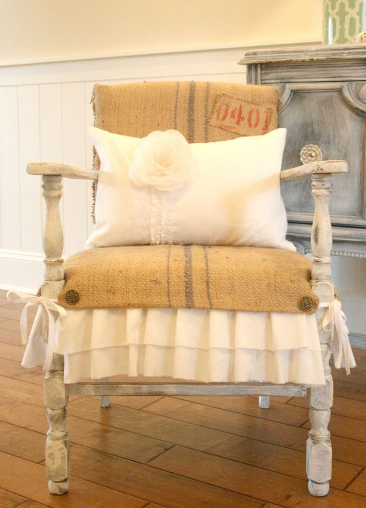 Ruffles and Burlap. Chair makeover.