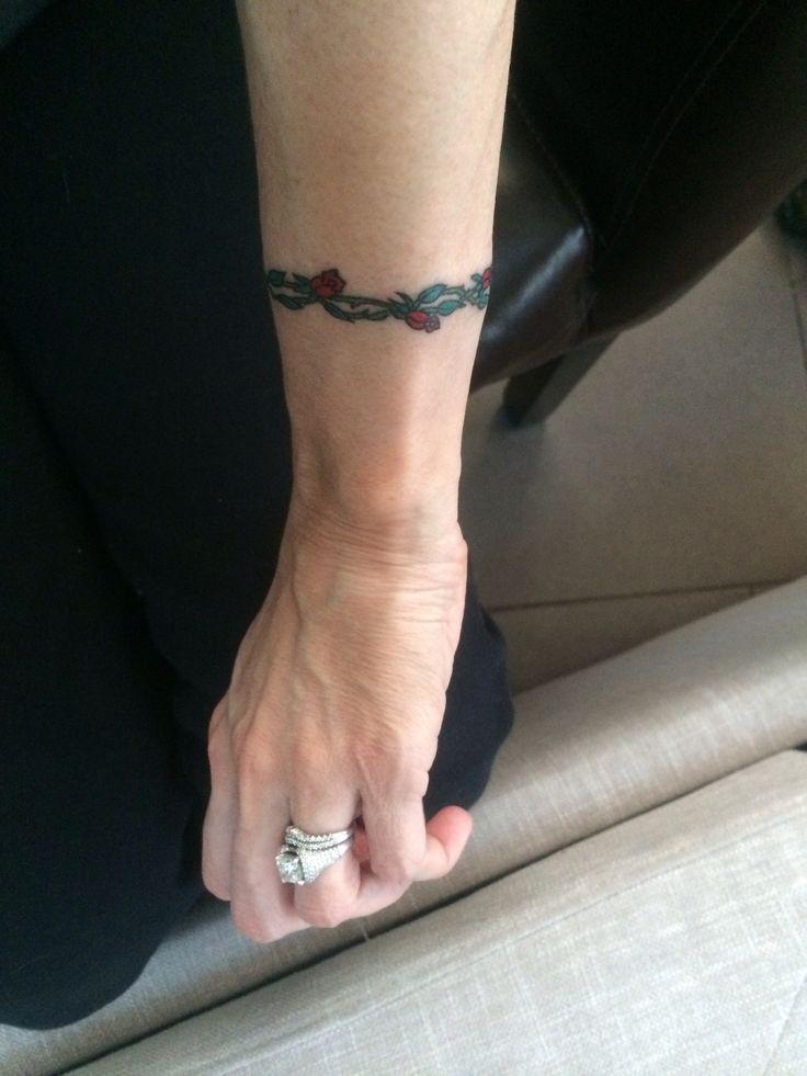 wrist vine and roses tattoo tattoos pinterest. Black Bedroom Furniture Sets. Home Design Ideas