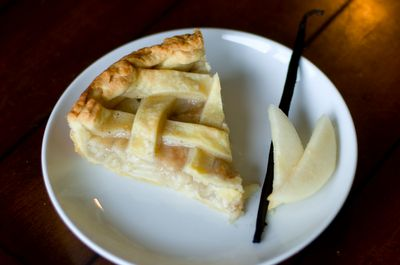 Vanilla Cardamom Pear Pie...Perfect recipe for transition between ...