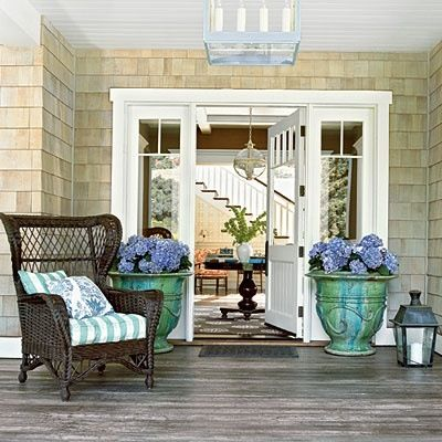Front door planters home ideas design pinterest for Planter ideas for front of house
