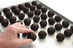 How to make Cake Balls! (no molds required! just cake, frosting and ...