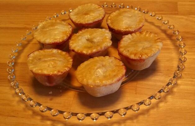 Mini strawberry honey pies   Little Bites Of Baked Bliss -- home-bake ...