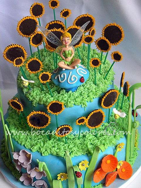 Tinkerbell cake by Bocaditos y Colores (Erika), via Flickr