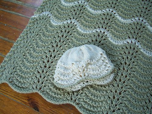 Fan And Feather Knitting Pattern For Baby Blanket : Feather and fan baby blanket pattern. DIY Pinterest