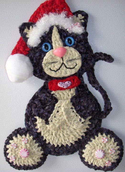 Crochet Christmas Cat,  by Jerre Lollman