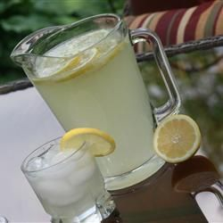 Best Lemonade Ever Recipe - We replace the sugar with stevia to taste ...