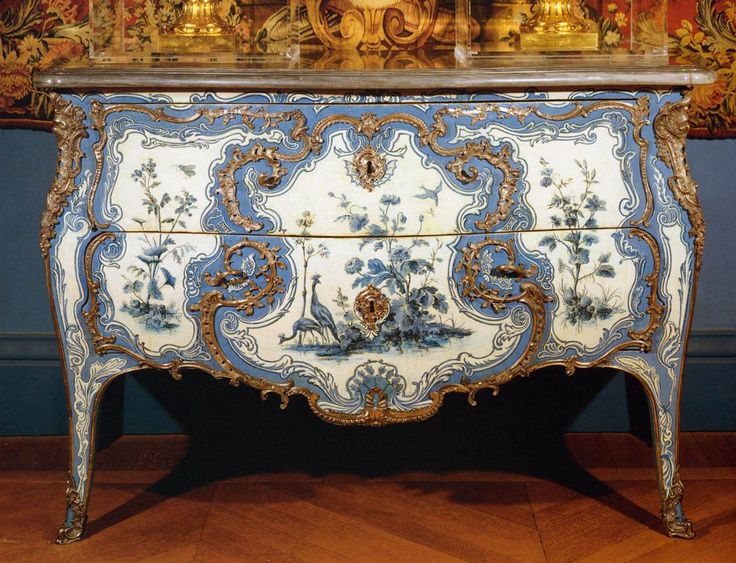 Commode painted in Vernis Martin  1742, Musée du Louvre, Paris. Gulp, Come to Mama...:)