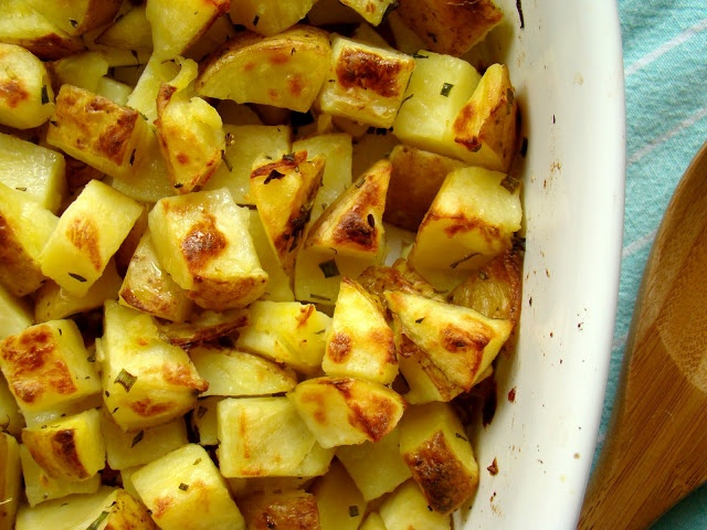 Garlic & herb roasted potatoes | On the Side... | Pinterest
