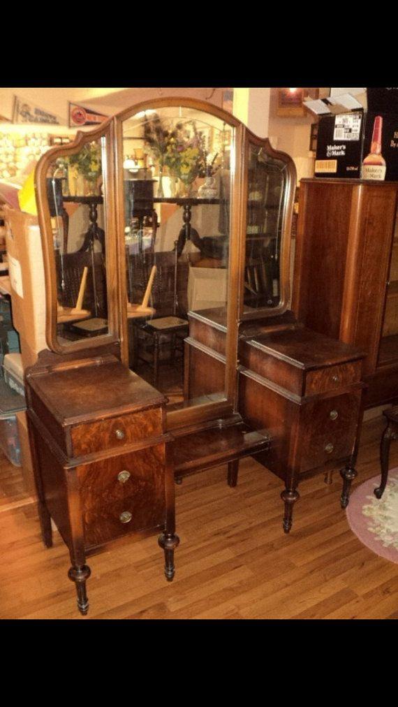 Best Antique Vanity Dresser 3 Way Mirror 6 Drawers 640 x 480