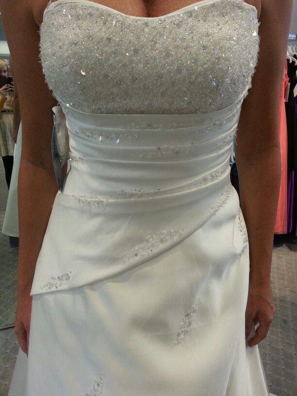 Dress idea | wedding ideas | Pinterest: pinterest.com/pin/504403226986196336