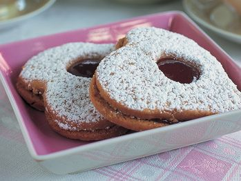 Peanut Butter and Jam Hearts from Cookstr.com http://www.cookstr.com ...