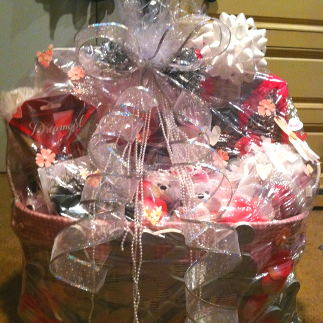 Pinterest Wedding Shower Gift Basket Ideas : Bridal shower gift basket! *Complete* Pinterest