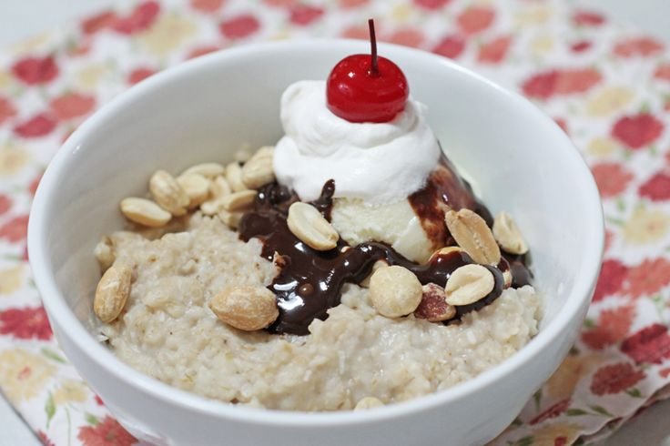 The Ice Cream Social: For a decadent breakfast (or dessert), add a small scoop of vanilla frozen yogurt, chocolate syrup, whipped cream, chopped peanuts and a maraschino cherry (of course). #BRMOatmeal