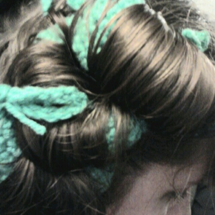 Crochet Hair Rollers : Crochet your own hair rollers. Crochet tubes; the bigger the tubes the ...