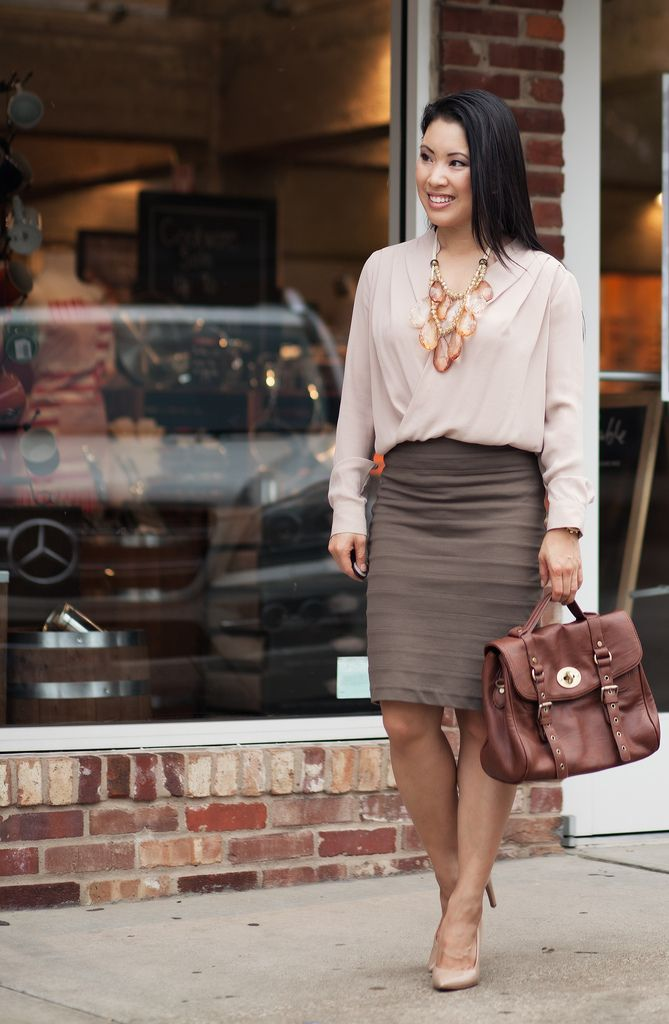 Classy neutral outfit. 'Greige' (gray/beige) worn with beige & brown.