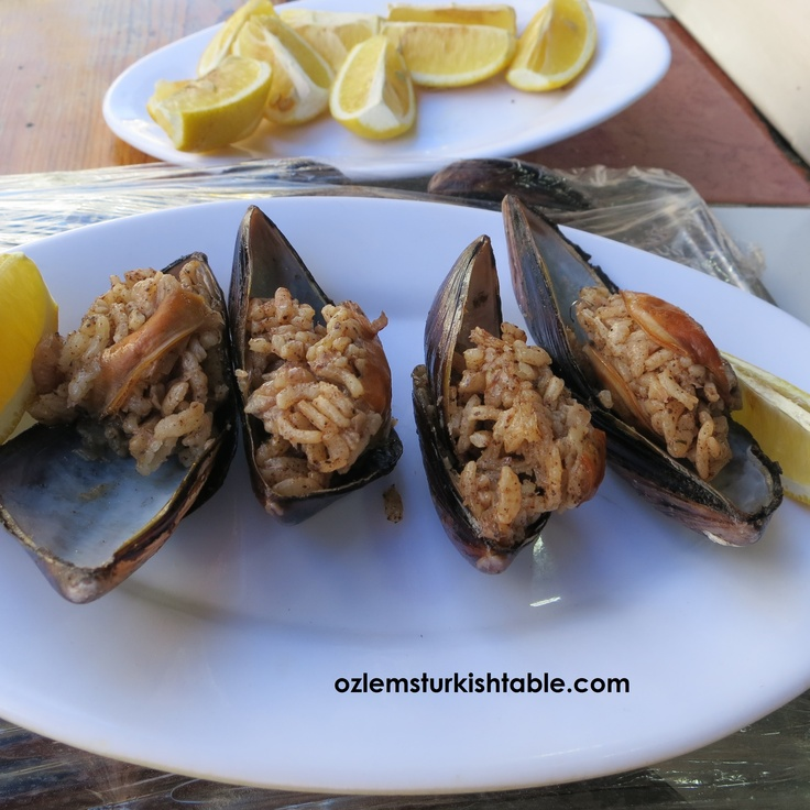 Mussels stuffed with aromatic rice; delicious street food.
