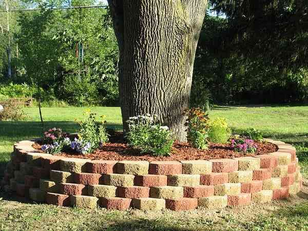Tree Flower Bed : More like this: raised flower beds , flower beds and beds .