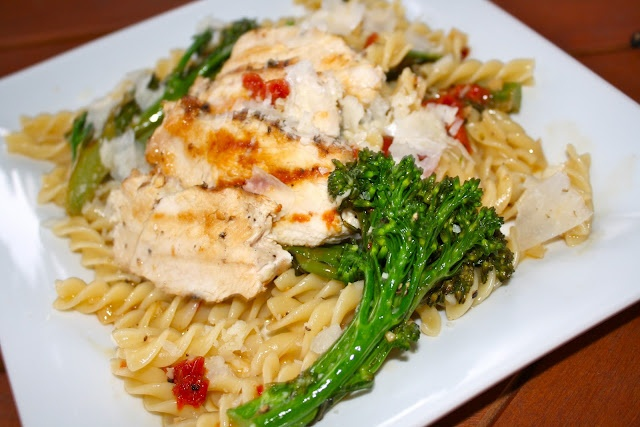 sun dried tomato & baby broccoli fusilli with white-wine garlic sauce