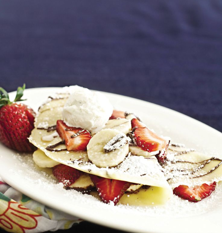 strawberry banana nutella crepes | Cupcakes and more | Pinterest