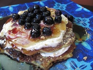 Blueberry cheesecake pancakes | farmhouse look | Pinterest