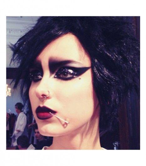Met stagram: The Most Memorable Photos from the Met Ball - Punk Makeup