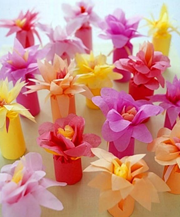 Flowers For Bridal Shower Favors : Cute tissue paper flower favor wrapping great for the