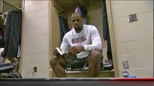 How LeBron James Reads The Hunger Games - Click to see the list!