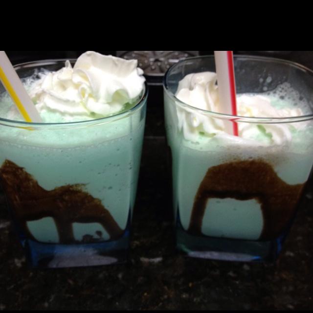 Homemade shamrock shakes! | St. Patricks Day | Pinterest