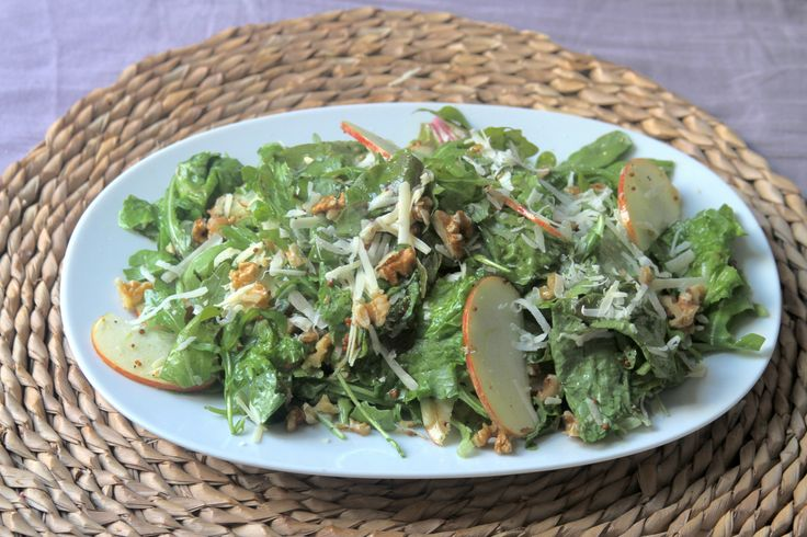 Arugula and Apple Salad with Apple Cider Vinaigrette