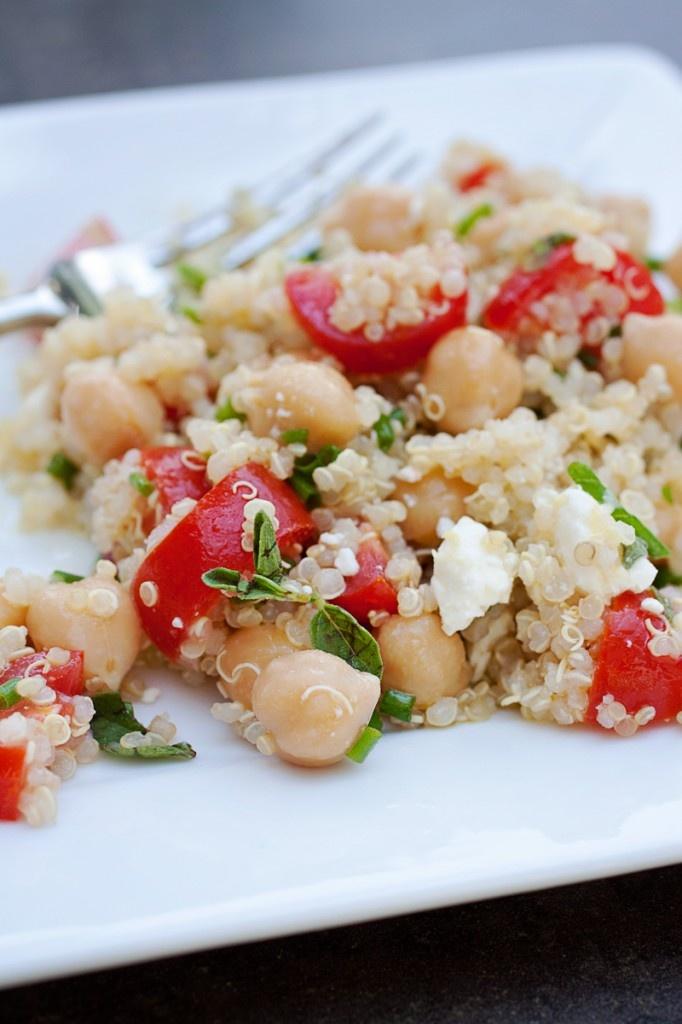 Greek Quinoa Salad | Veggies and Meat-free recipes | Pinterest