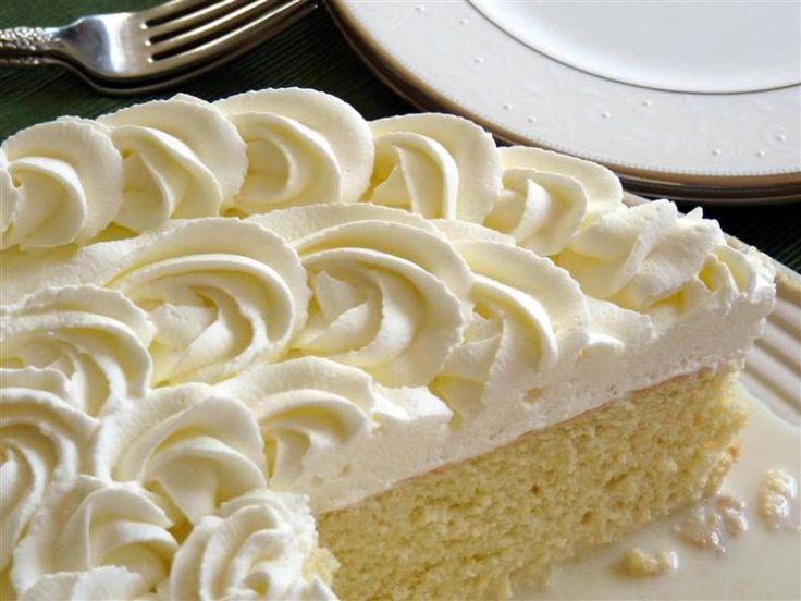 tres leches cake. (3 milks cake)