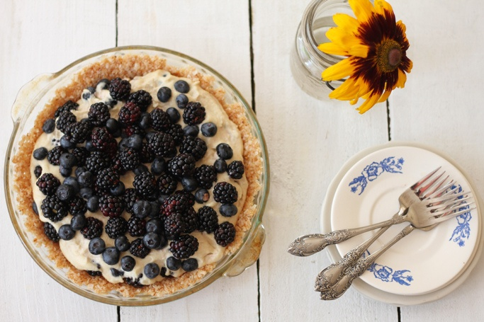 Raw Berry Pie with Coconut and Almond Crust- yumm