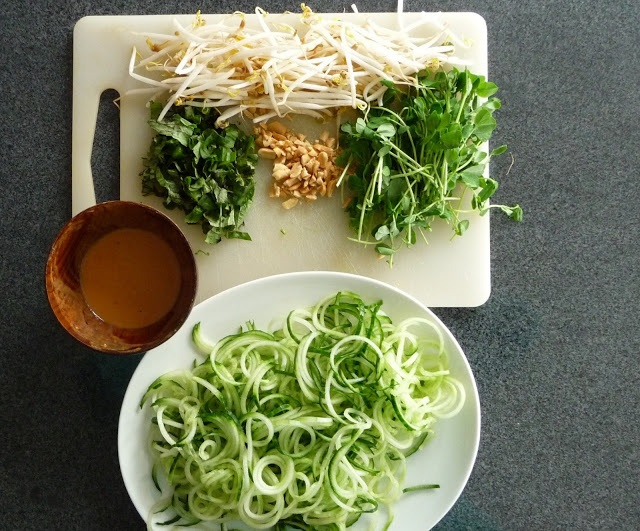 spiralized cucumber peanut salad | deliciousness | Pinterest