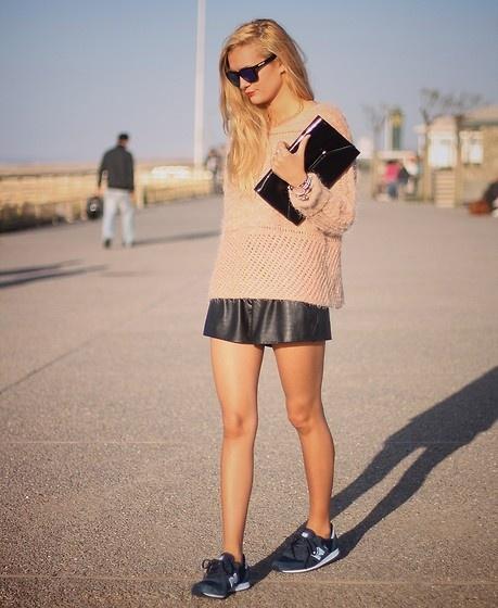 Платья с кроссовками нью баланс